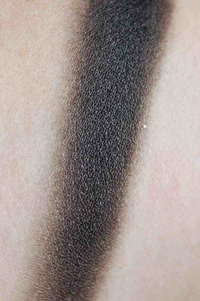 Didichoups-Urban Decay-Naked Smoky - Black Market 02
